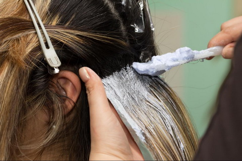 Причина сухих волос и кожи головы