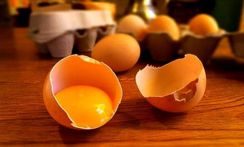 Маска для волос в домашних условиях для роста и густоты волос с яйцом