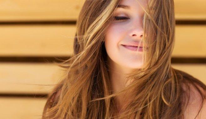 Выпадение волос у женщин: причины, лечение, как бороться